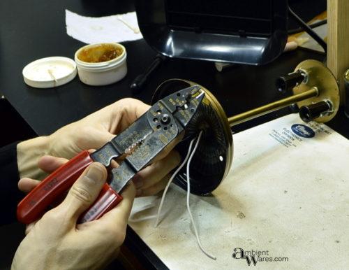 24_wire-stripping