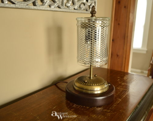 lamp-on-radio-in-daylight-2