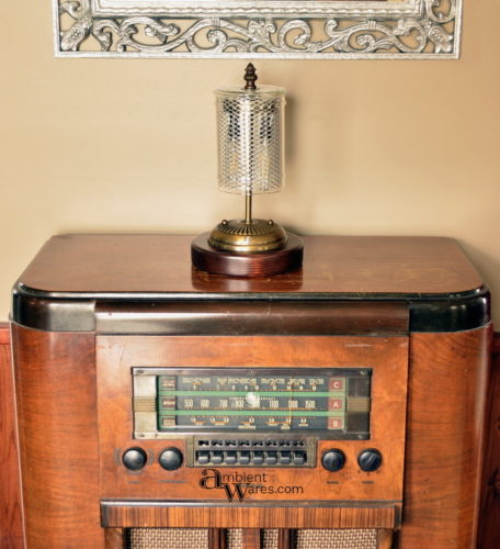 lamp-on-radio-in-daylight