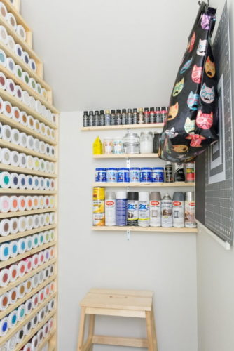 Small and Organized Small Closet Makeover