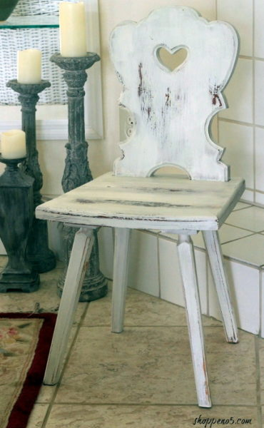 Sweet Painted Chair Makeover, Pallet Removal Tool, and